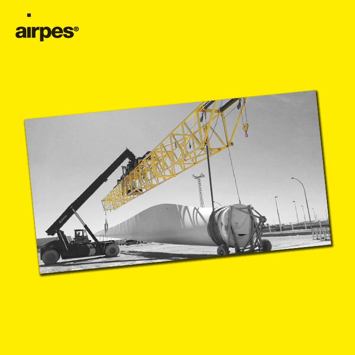 Moving wind turbine plates 07 | Lifting Equipment | VESTAS | Airpes